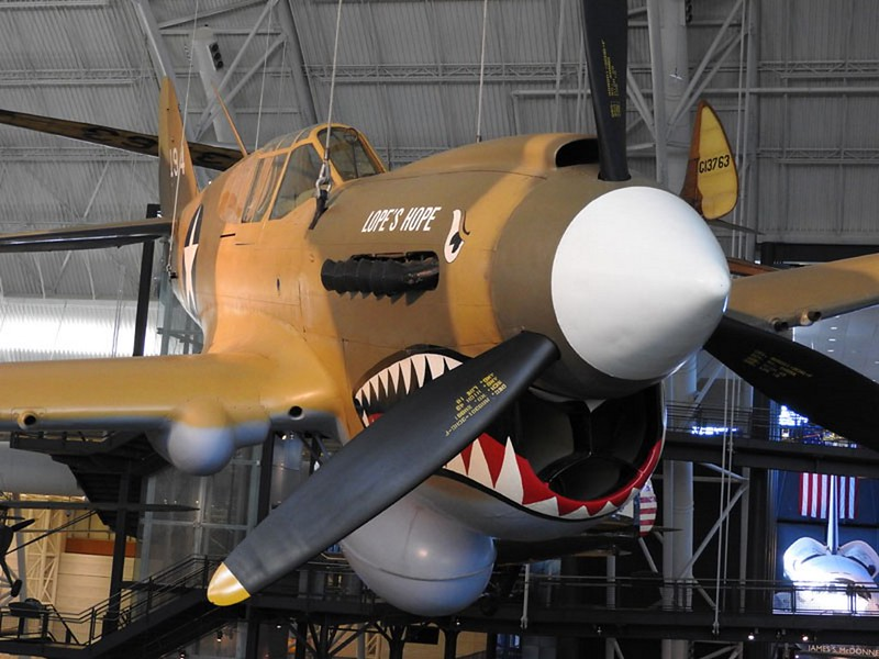 Curtiss P-40-E Kittyhawk 2
