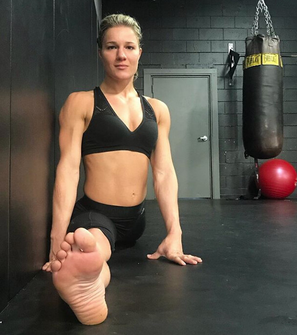 Hottest Photos Of The 10 Most Attractive Ufc Female Fighters Professional mixed martial artist miesha tate shares her tips for scoring a winning body. most attractive ufc female fighters