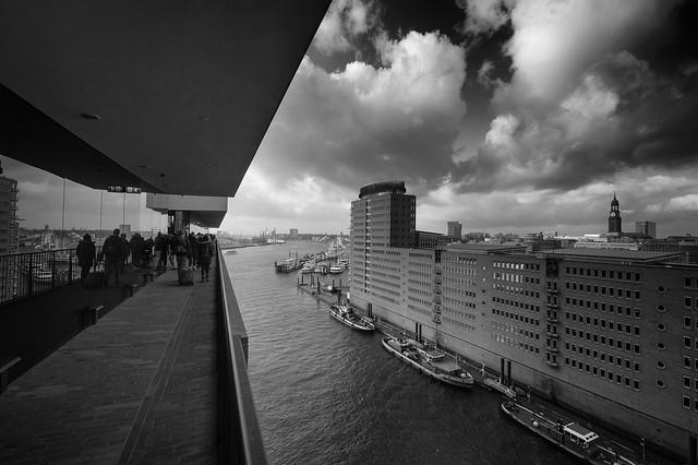 Blick von der Elbphilharmonie / Hamburg