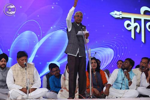 Hindi poem by Bachanram Bari from Thane