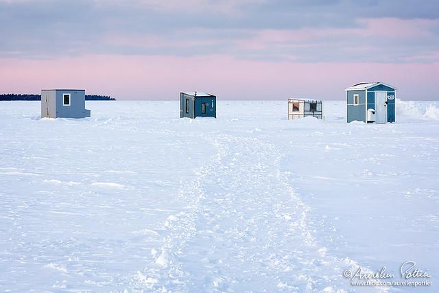 Pêche blanche, quatre cabanes de pêche