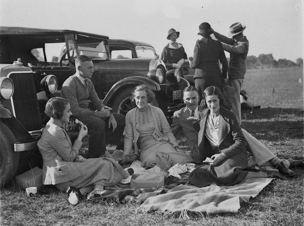 Picnic at Cobbitty, NSW in the 1930s by Sam Hood