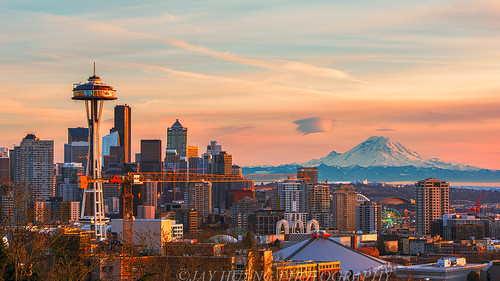 Seattle Skyline at Sunset | by Jaykhuang
