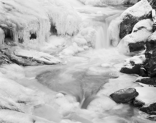 cullasajariver nantahalanationalforest westernnorthcarolina waterfall ice bw largeformat film 4x5 ilford fp4 ddx arcaswiss fline caltariin156210mm epsonv700 affinityphoto