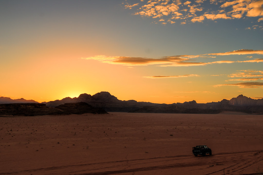 Beautiful Desert Sunset, Wadi Rum/Disah, Jordan | On our way… | Flickr