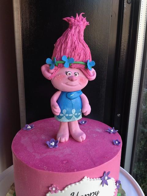 Fondant Poppy Troll Cake Topper