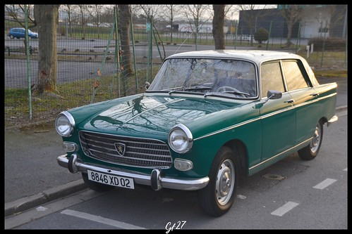 331 Peugeot 404 berline (1) | by gf27photographie