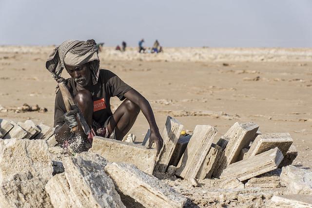 Afar worker - Ethiopia Danakil depression