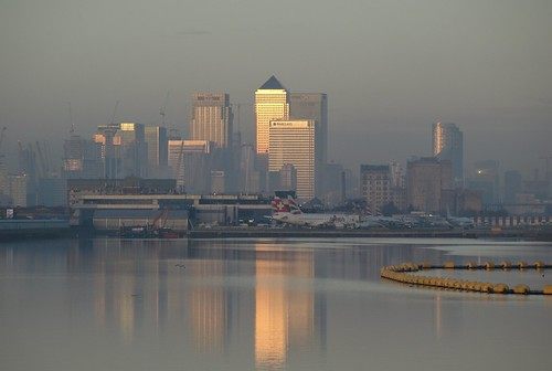 london misty dawn sunrise reflections docklands water canarywharf eastlondon airport