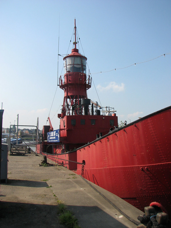 Lightship beside the Colne, Hythe