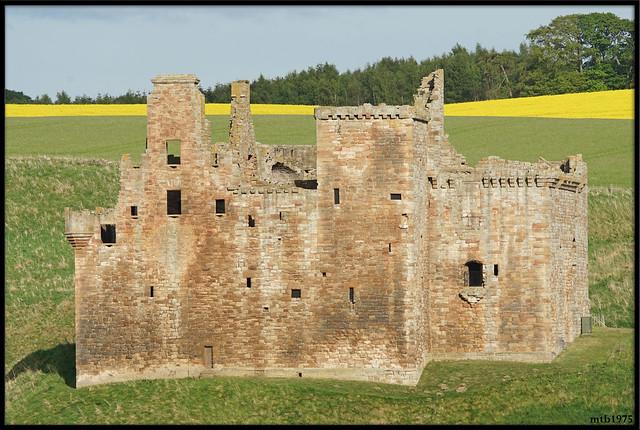 Crichton Castle. Pathhead 1