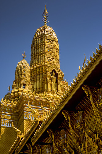 thailandbangkokancientcity30templeoftheanatomyoftheuniversedsc6223 templeoftheanatomyoftheuniverse anatomyoftheuniverse thaitemple buddhisttemple ancientsiam ancientcity mueangboran samutprakan bangkok thailand asia travel travelphotographer travelphotography เมืองโบราณ buddhism buddhist temple gold golden