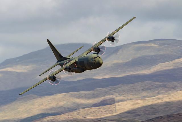 Lockheed C-130 Hercules,