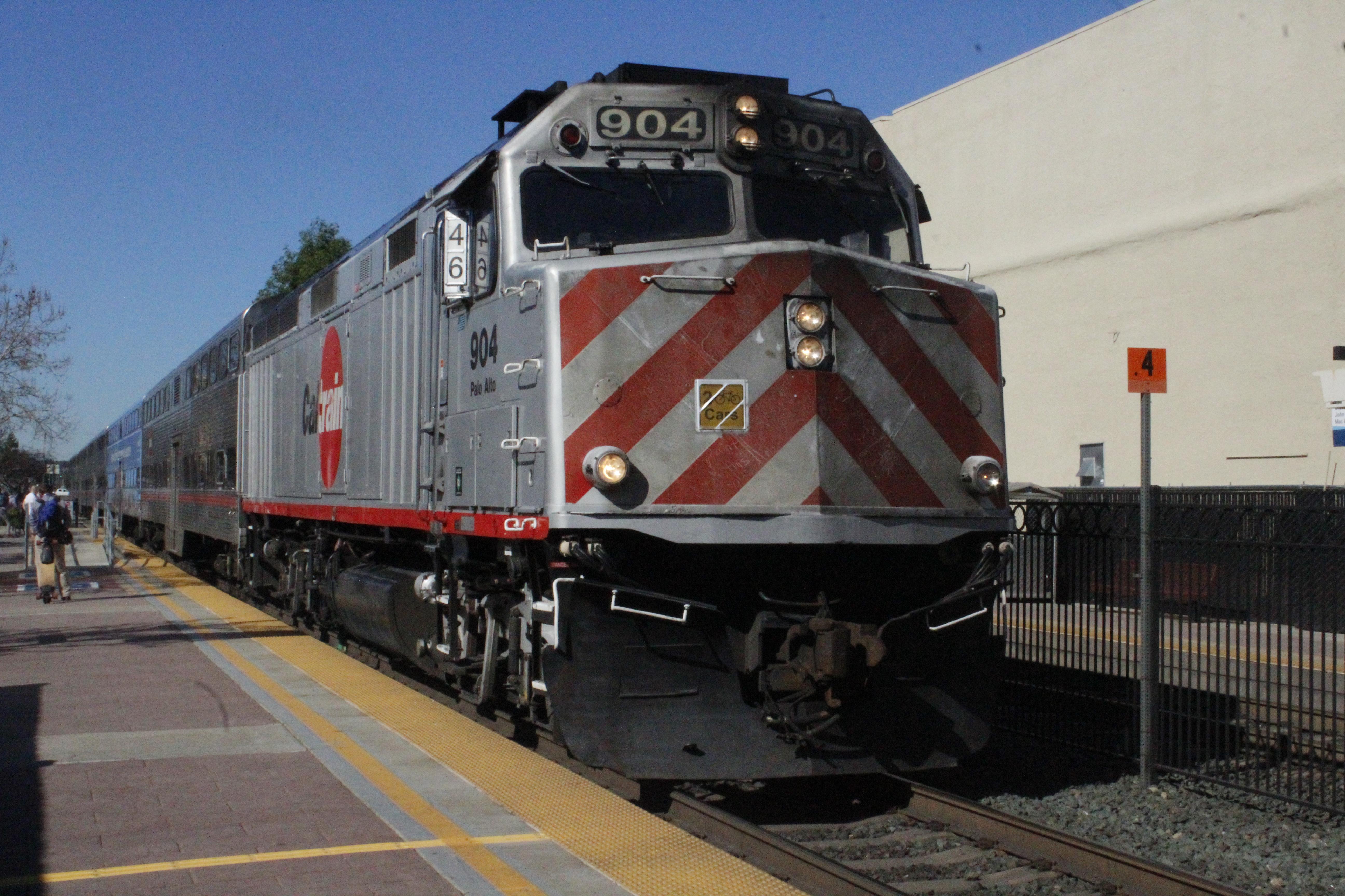 Caltrain locomotive unit 904, Palo Alto, bound for San Jose at Redwood City Station