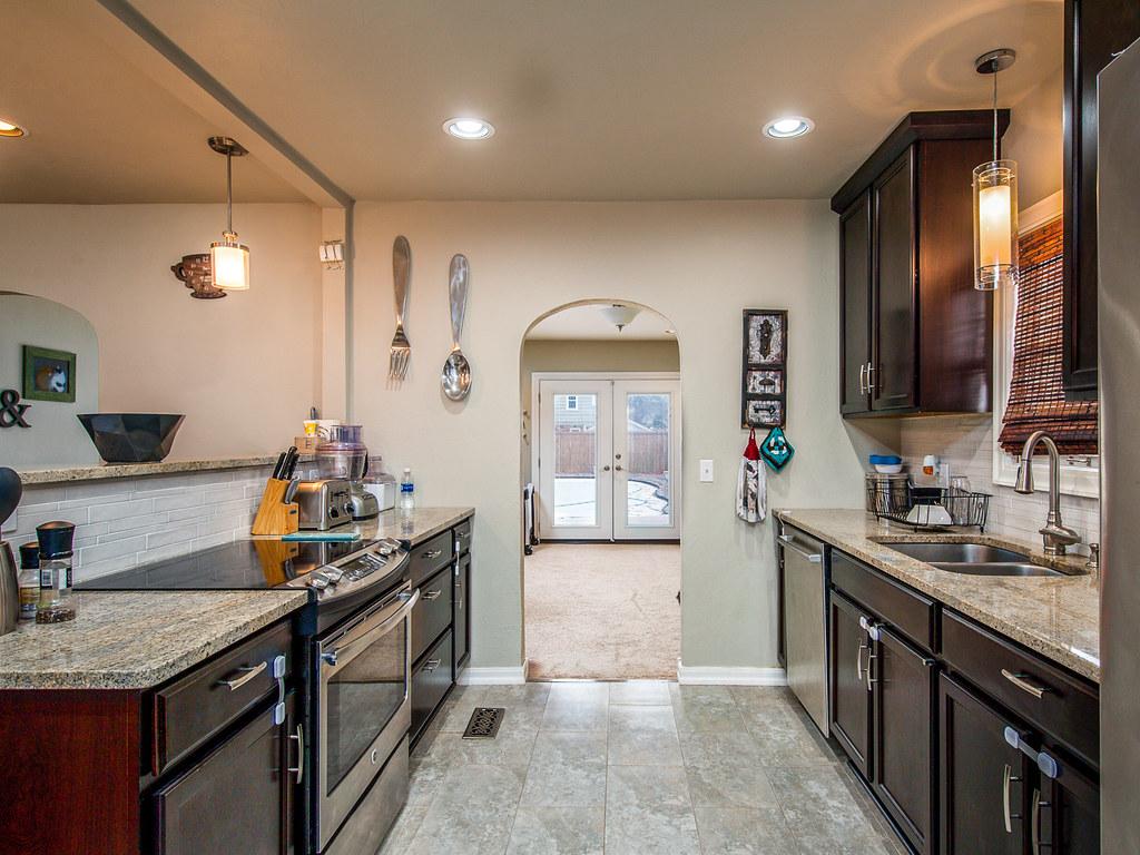 kitchen backsplash photo