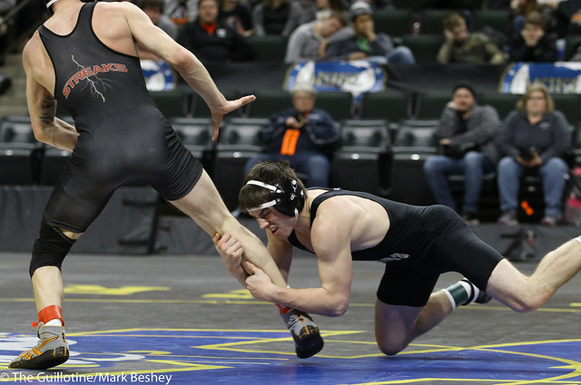 138A 1st Place Match - Kyle Cavanaugh (Caledonia-Houston) 32-4 won by major decision over Gage Zieske (Osakis) 44-2 (MD 11-1) - 180303cmk0172
