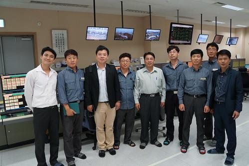 圖06.本會代表團參訪韓國現代石油公司煉油廠操作室1