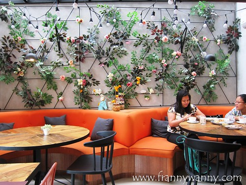 flossom cafe 10   by frannywanny