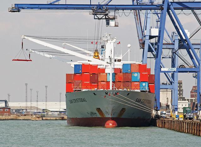 Container ship San Cristobal unloading at Felixstowe Docks 1August2007.