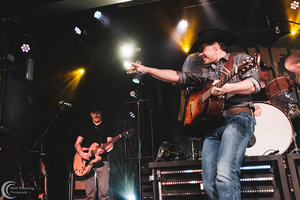 Sioux City Concert Pictures: Aaron Watson at Hard Rock Hotel