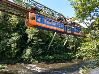 Monorail 🚟🚟 de Wuppertal / Wuppertaler Schwebebahn  Germany 🇩🇪