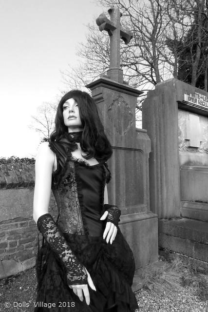 Rootstein BB9 Alison #2 Gothic Queen