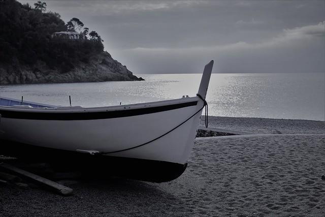 Amo il silenzio ed il profumo del mare.