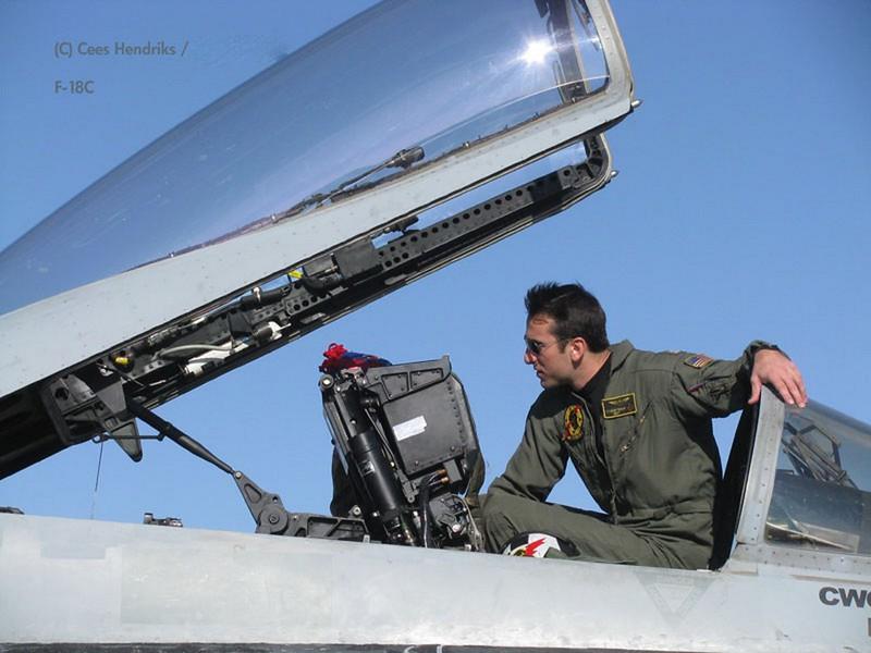 McDonnell-Douglas FA-18C Hornet 6