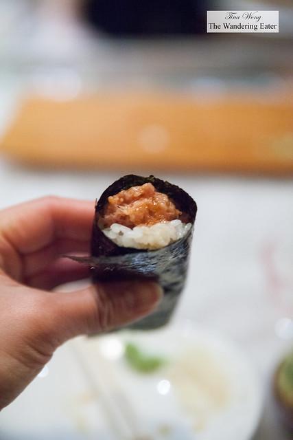 Spicy chutoro  hand roll