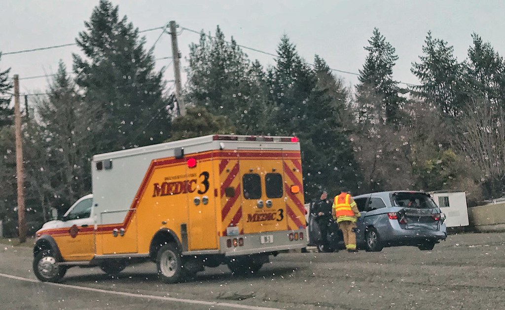 Bremerton Fire Department Medic 3 | On scene of a collision