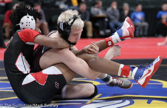 Quarterfinal - Dylan Droegemueller (Anoka) 48-3 won by tech fall over Jahsa Rankin (Eden Prairie) 30-7 (TF-1.5 4:43 (15-0)) - 180302bmk0018