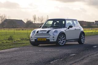 Mini Cooper S (R53)   by RobinH.