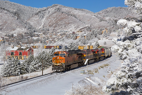 bnsf bnsf3845 ge generalelectric et44c4 palmerlake colorado jointline train railroad snow