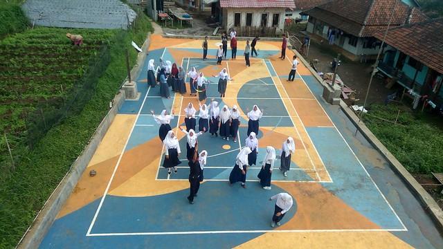 Hasil cat lapangan olahraga Al Bayyan