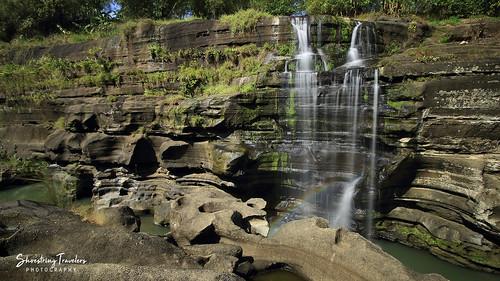 gorge waterfall pantihanfalls balayunganfalls maragondon cavite calabarzon philippines rock landscape water waterscape longexposure