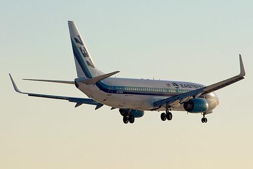 cle kcle cleveland hopkins eastern swiftair n276ea thewingsofman 737 738 737800 boeing sunset landing