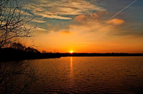 lake pond ashbyville sunrise sunlight sun tree clouds reflect tones morning steeltown canoneos1dxmkll winter feb 2018