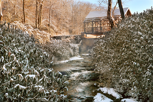 moore park paxton massachusetts newengland cold winter water trees sunrise river statepark worcester davelawler chancyrendezvous blurgasm lawler