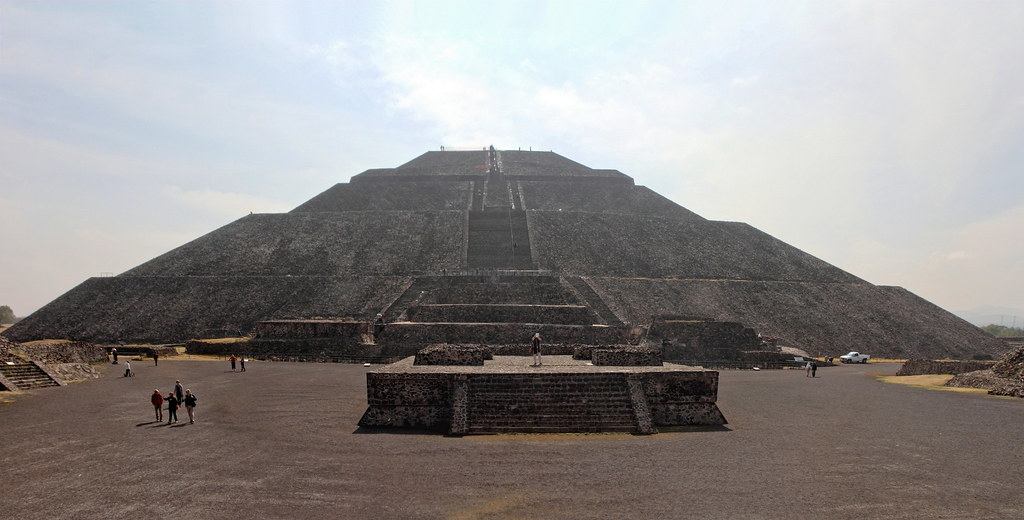 Teotihuacán -  the pyramid of the sun