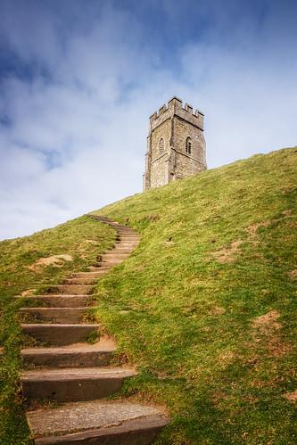 glastonbury somerset landscape landscapes landmark landmarks tor steps stairs hill canon eos100d efs1585mmisusm england greatbritain historic nationaltrust