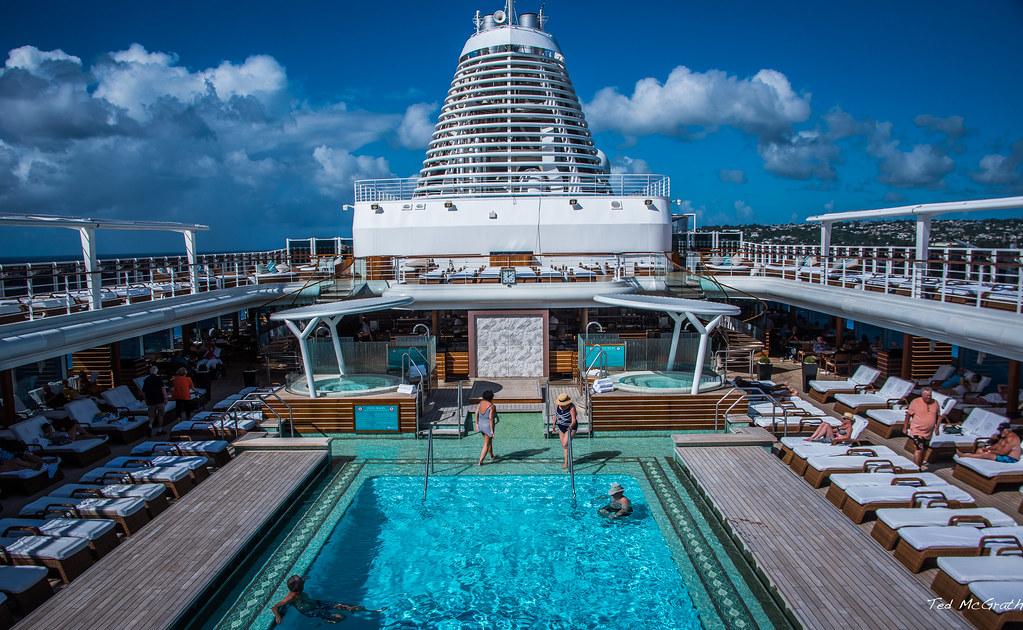 2017 - Regent Explorer - Splash Pool | Our Regent Caribbean … | Flickr