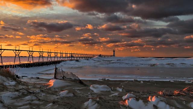 Manistee MI lighthouse at sunset