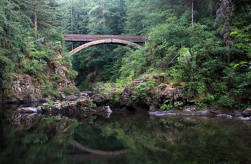 bridge reflection green water washington low calm lush lewisriver moultonfalls