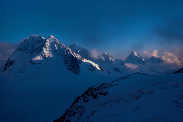 Sole del tardo pomeriggio sulle Alpi