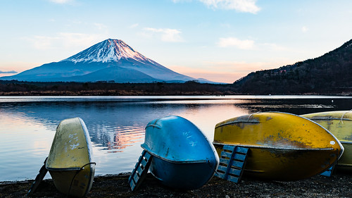 minamitsurugun yamanashiken japan jp boat lake water mountain fujisan fuji sunset snow landscape