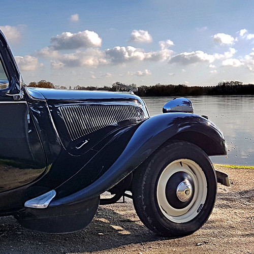 La Traction Avant et la Loire | by pom'.