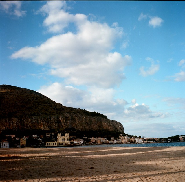 Beach (120 film)