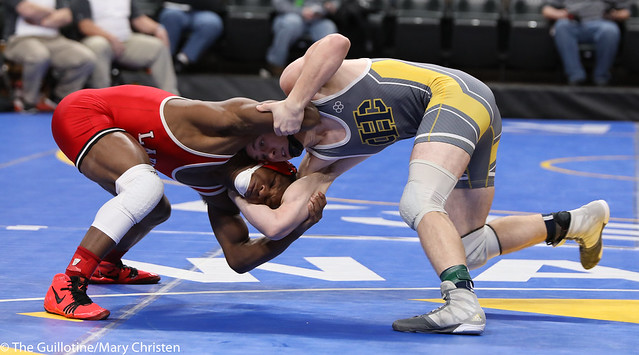 Semifinal - Isaiah Thompson (Detroit Lakes) 45-6 won by decision over Dylan Lentz (Columbia Heights) 34-6 (Dec 5-1). 180303AMC5396