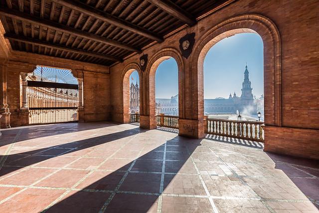 Plaza de España, desde la primera galeria. Puerta de Aragon. Sevilla. España