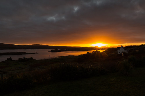 scotland canon isleofskye sunrise clouds sky sun landscape morning water atlanticocean countryside colbost autumn